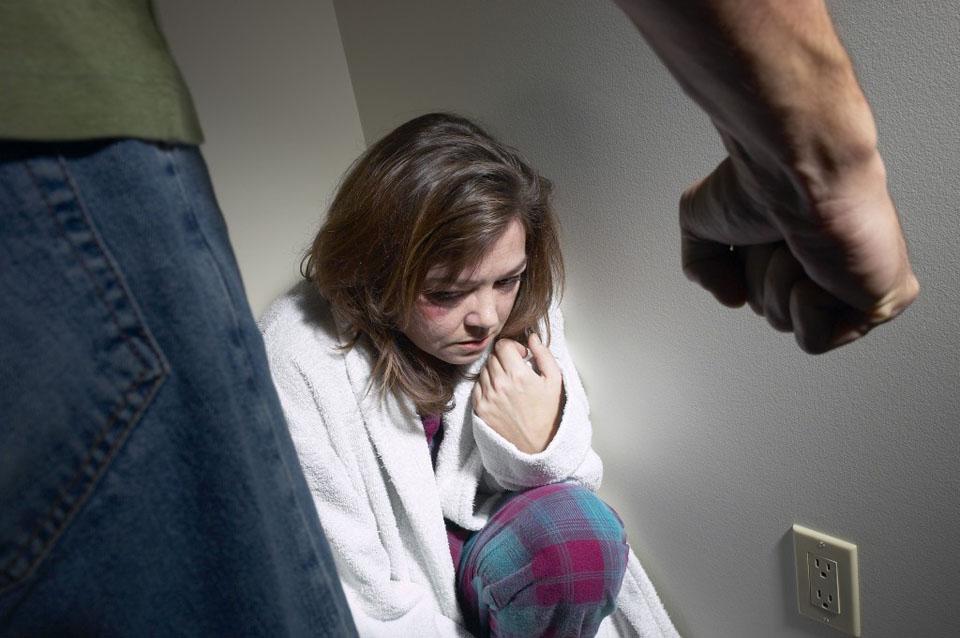 Να μπει τέλος στη βία στο σπίτι